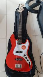 Baixo Fender 4 cordas