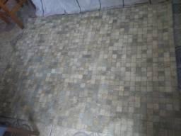 tapete couro de boi legítimo forro atrás emborrachado 2mt por 1e 50cm<br>em perfeito estado