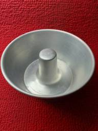 Forma de Alumínio com furo