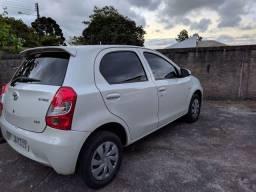 Toyota Etios 2017 1.3 vvti branco perola (difícil achar)