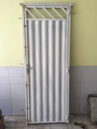 Portão de ferro 2,15 cm x 80 cm