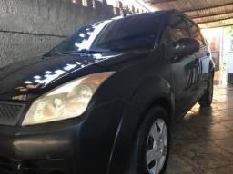 Fiesta hatch barato - 2010