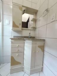 Kit para banheiro com pedra, cuba, espelheira e gabibete