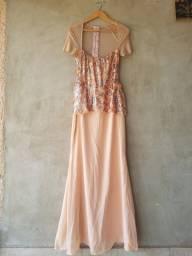 Vestido festa longo bordado cor pessego detalhe em tule