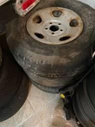 Jogo 4 rodas 3 pneus de S10 com pneus