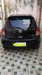 Nissan March automático promoção 16/17 33 mil km