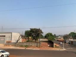 Alugo área murada composta por 04 (quatro) terrenos na Avenida Coronel Antonino