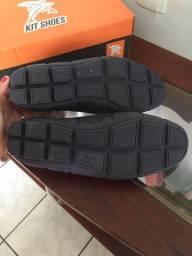 Vendo sapato aquático. N?40 nunca usado