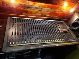Mesa de som Soundcraft spirit live 4