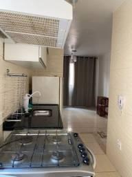 Alugo apartamento de 2/4 mobiliado ao lado do shopping de Camaçari