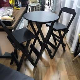 Jogo Bistrô de Madeira com 2 Cadeiras Altas