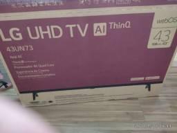 TV LG 43'' 4K HDR   tela quebrada