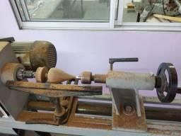 Vende-se um torno de madeira com copiadora!