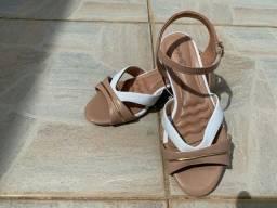 sapatos semi Novos.  Número 37