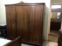 Armário guarda-roupa antigo 3 portas