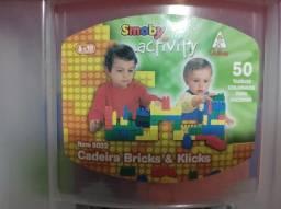Cadeira Bricks e Klicks 50 peças