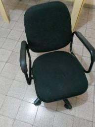 Vendo Cadeira para escritório giratória