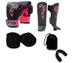 Kit Muay Thai Luva Caneleira Bandagem Bucal Brazuca Rosa