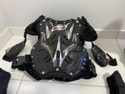 Kit motocross (Colete, ombreira, joelheira, cotoveleira e luvas)