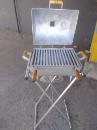 Vendo churrasqueira em alumínio abafo