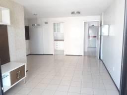 Apartamento com 03 quartos e gabinete no bairro de Fátima