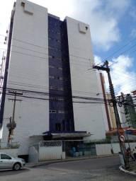 Apartamento c/ elevador p/ alugar em Brisamar c/ 03 quartos e água incluso