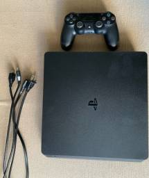 Playstation 4 Semi novo