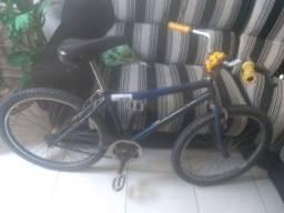 Bicicleta (bike) aro 26 com folga no guidon