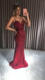 Vestido bordado pedraria vermelho