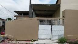 Casa de 2qts + Apto alugado no Japiim/ Próx. da Polivalente/ Com Garagem