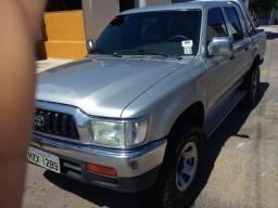 Hilux SRV 4x2 - 2004