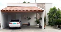 Casa no Condomínio Campo Bello