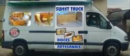 Renault Master ano 2007,com tenda na lateral,cama de casal,geladeira,pia,reserv.agua 60lt - 2007