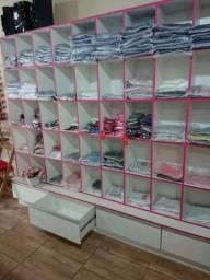 Móveis para loja de roupa