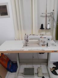 Máquina de costura reta industrial (digital)