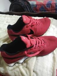 Nike SHOX muito novo. N 41.