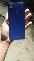 Troco Celular Moto G8 Power Lite novo,com Caixa ,Nota fiscal, 1 Ano de garantia..