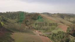 Ótima oportunidade para quem procura um terreno para formação de sitio em Pinhalzinho, Int