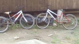 Duas blicicletas
