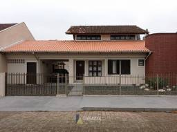 Casa Averbada Semi-Mobiliado(a), 3 dormitórios com 2 suítes no Bucarein