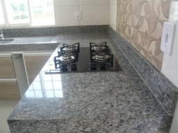Alugo apartamento com fogão cooktop e armários na Nova Imperatriz