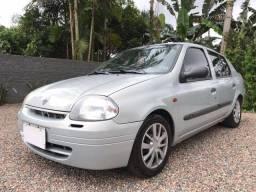Clio sedan 04 R$ 14.000