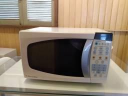 Microondas Eletrôluz 18 Litros 220 Volts
