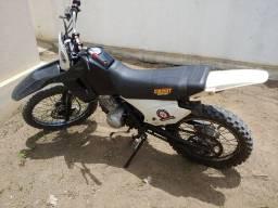 XR200 com motor de 150