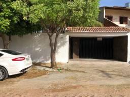 Alugo casa no Bairro Parque Granjeiro