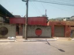 Vende-se casa no bairro Loanda