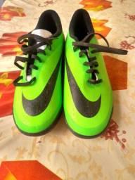 Chuteira society Nike N° 37
