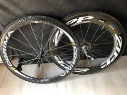 Par de rodas de carbono tubular