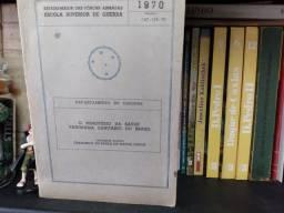 Livros de História e biografias históricas
