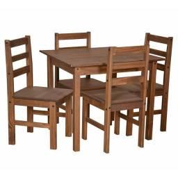 Vendo uma mesa de madeira 4 cadeiras